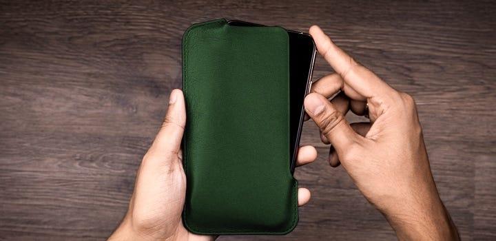 iPhone 11 Pro Max-Etui - Dunkelgrün - Glattleder